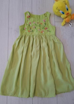 Нежное платье-сарафан на 3-4-5 лет