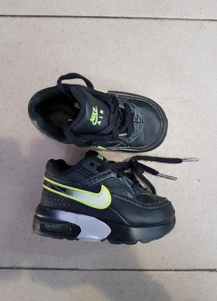 Классные кроссовки размер 21,5