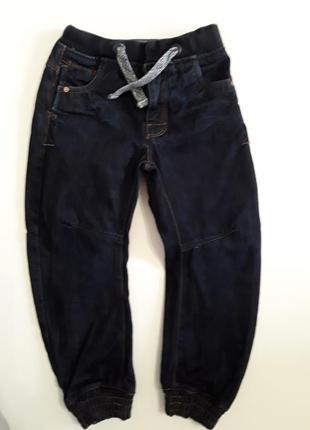 Фирменные джинсы 6-7лет