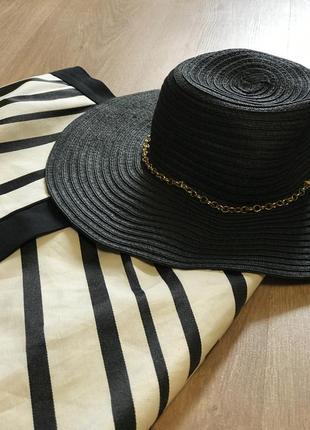 Шляпа цвета графит ,с цепочкой