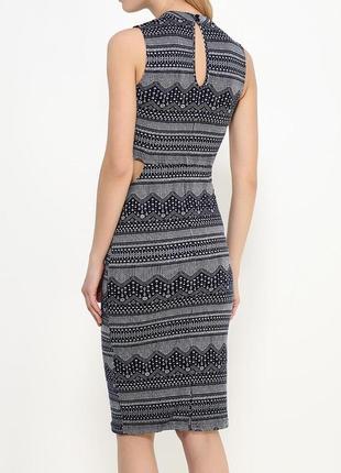 Оригинальное платье миди