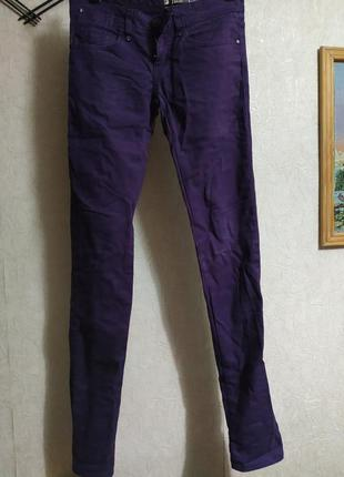 Фиолетовые узкие джинсы, джегинсы, легенсы, штаны