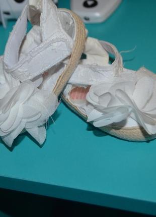 Пинетки босоножки малышке обувь2