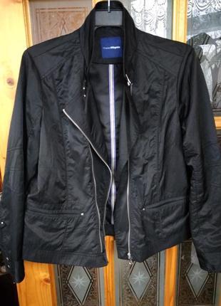 Курточка.