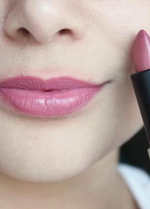 Стойкая кремовая помада mufe - make up for ever, бежево-розовый оттенок