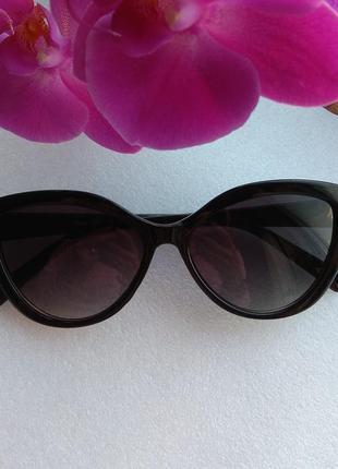 Новые красивые солнцезащитные очки лисички, черные