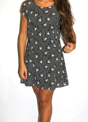 Черное шифоновое платье с птичками