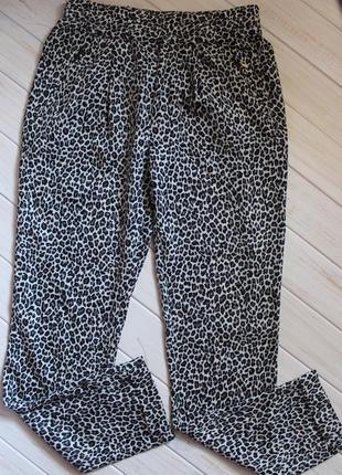 Штаны zara в леопардовый принт размер xs