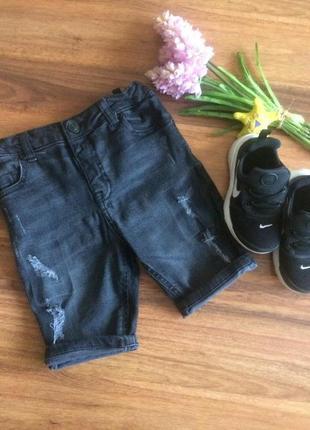 Модные джинсовые шорты для парня river island 5-6 лет.
