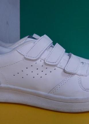 Подростковые белые кроссовки на липучке3