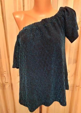 Люрексовая блуза с открытыми плечами
