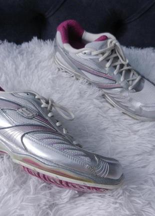 Кросівки 40 -41 розмір