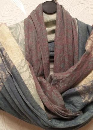Шаль, шарф, полиэстер, золотистое метализированное волокно