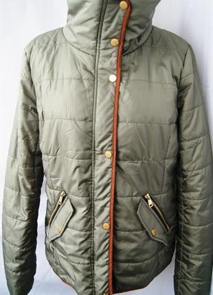 Куртка демисезон хаки высокий воротник зеленая only