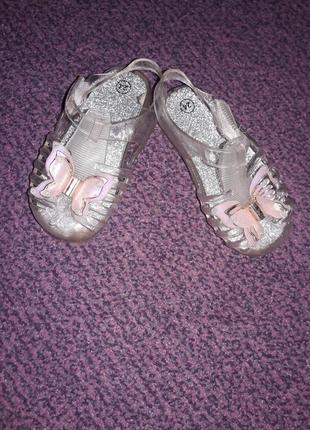 Босоножки,сандали,мыльницы на девочку