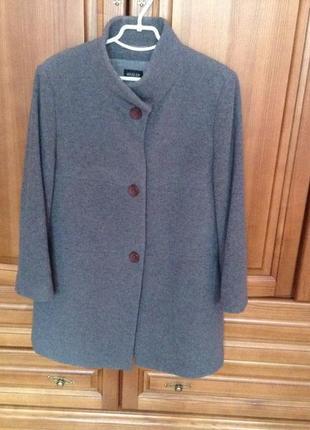 Фирменное серое пальто кашемир шерсть basler 42-44(50-54) размер большой.полупальто