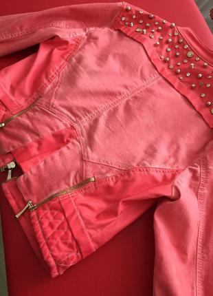 Короткая летняя джинсовая курточка