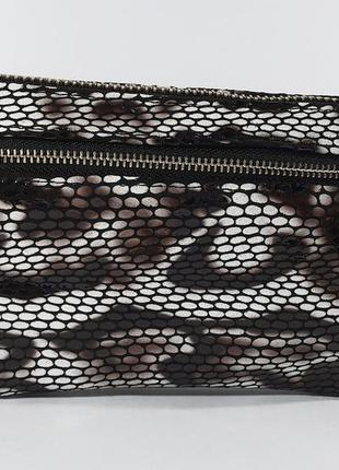 Клатч-кошелек женский кожаный черно-белый рептилия