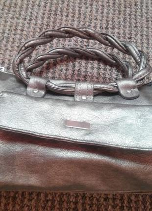 Новая серебристая сумочка