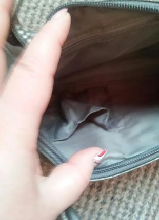 Новая серебристая сумочка7 фото