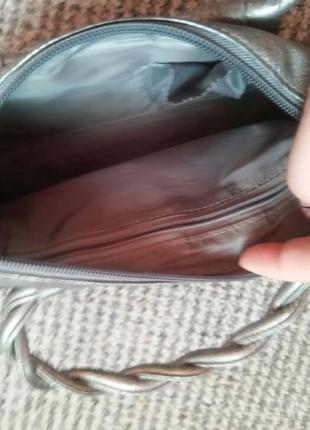 Новая серебристая сумочка8 фото