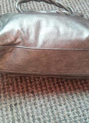 Новая серебристая сумочка4 фото