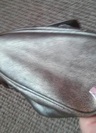 Новая серебристая сумочка6 фото
