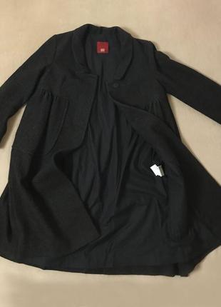 Итальянское пальто бренда hood