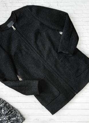 Пальто прямого кроя чёрное с накладными карманами шерсть