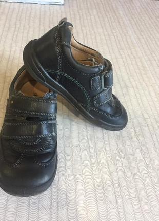 Кожаные туфли на мальчикакроссовки весну с удобными липучками ортопедические