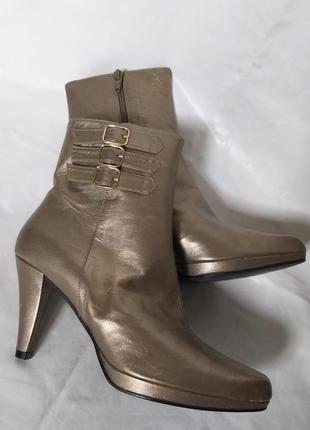 1773059a2 Золотистые женские кожаные ботинки 2019 - купить недорого вещи в ...