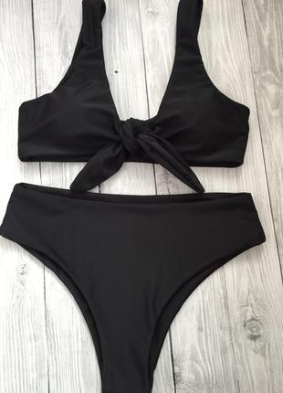 Чёрный раздельный купальник на завязках