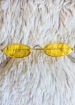 Ретро узкие овальные очки с жёлтыми линзами