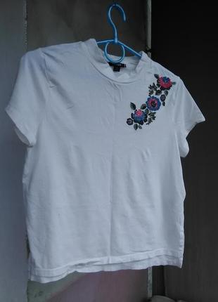 Шикарная блузка с вышивкой kiabi