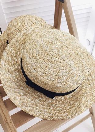 Соломенная шляпа канотье с большими полями