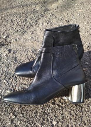 Стильные кожаные ботильоны, полусапожки, туфли