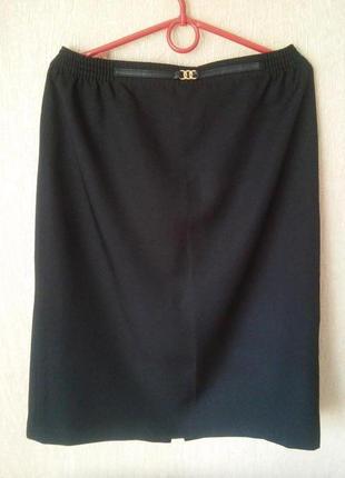 Трендовая юбка класического кроя.размер 14-16