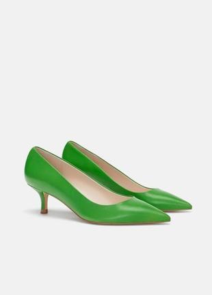 Кожаные туфли zara kitten heels размер 39