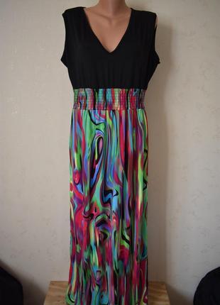 Новое красивое платье с принмтом