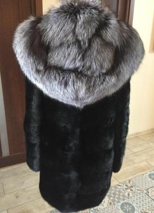 Шуба норковая поперечная с капюшоном чернобурка