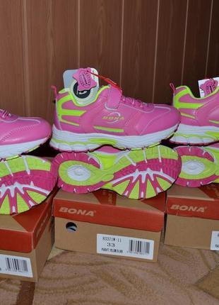 Кроссовки для девочки. bona 33,35