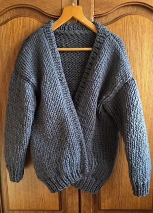 Вязанный кардиган/свитер из толстой пряжи
