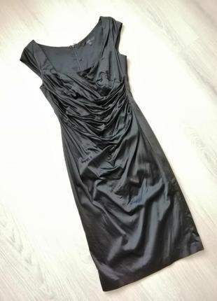 Атласна вечірня сукня