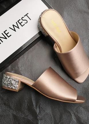 Nine west  оригинал розовые сатиновые босоножки сабо на широком каблуке бренд из сша