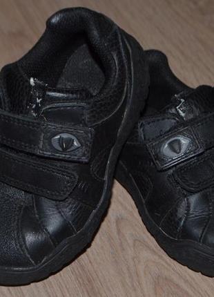 Кожаные спорт туфли кроссовки clarks 24р 15см