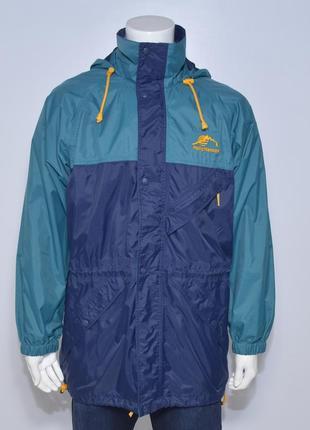 Отличная куртка ветровка на весну\осень от helly hansen