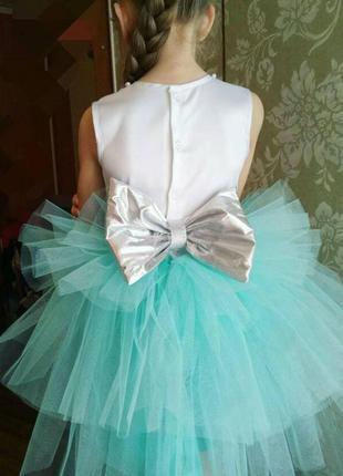 Нарядное платье 5-7лет на выпускной