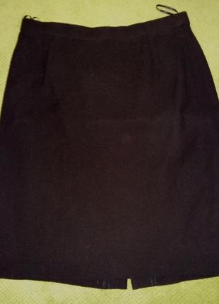 Стильная классическая шерстяная юбка от люкс бренда escada.огигинал 100%  pure lana vergen