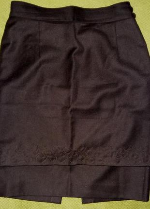 Красивая шерстяная юбка.италия 100% pure lana vergine