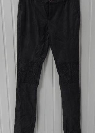 Женские зауженные брюки из кожи серые zuiki